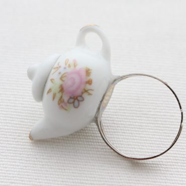 Teapot Ring White...