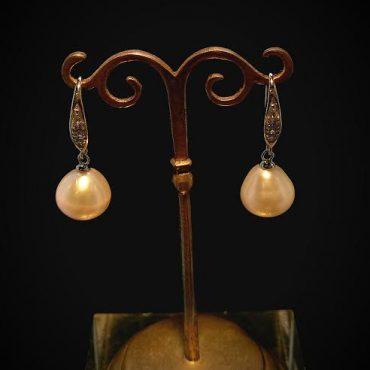 Cream Pearl Drop...