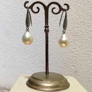 Pearl Drop Earrings...